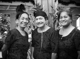 Lika, Tui & Ilo Enesi Sisters